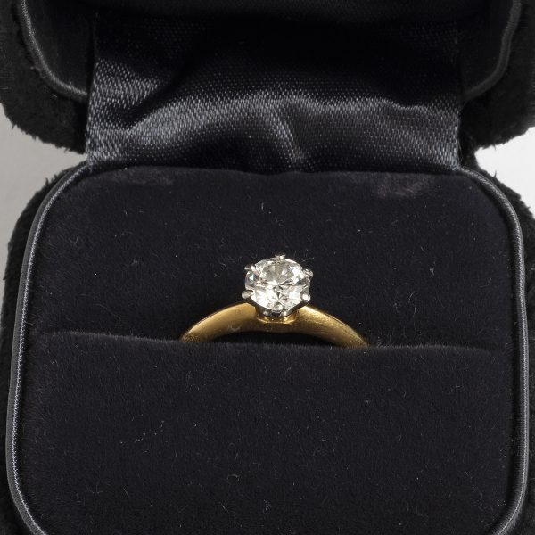 Tiffany & Co Engagement ring .66ct size K1-2 JS306_2