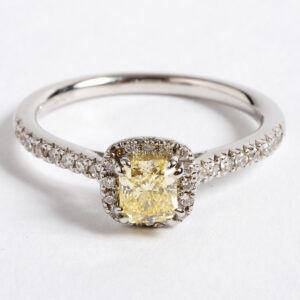 natural yellow colour diamond ring